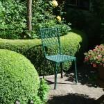 Идеи для оформления проблемных уголков сада