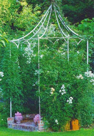 Идея для сада - беседка, увитая розами